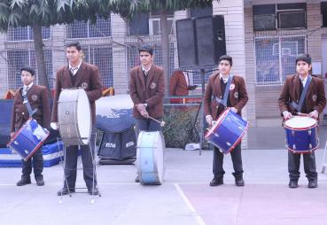 MVN Schools students band